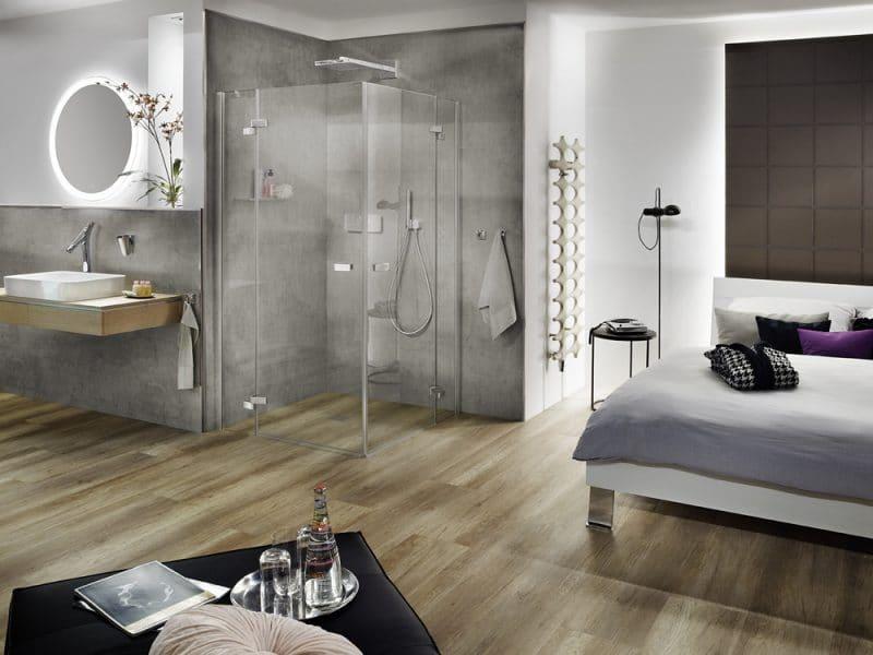 Studio3001 Fotografie Foto Interieur Hotelzimmer Bad Schlafraum Dusche Spiegel Waschtisch Armatur Grau Braun Handtuch Deko
